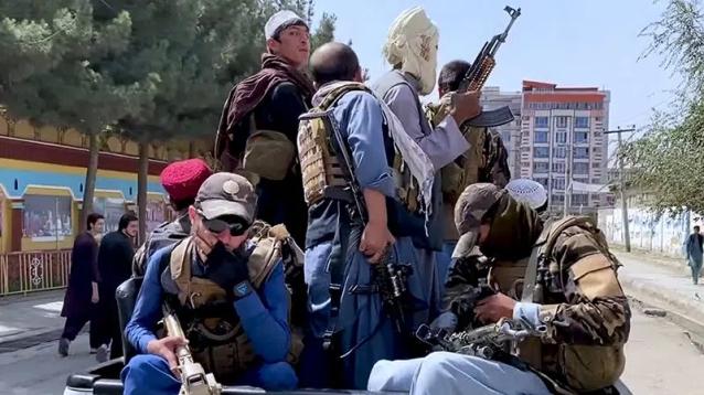 afghanistan-les-medias-desesperement-a-la-recherche-de-taliban-moderes-800x450.jpg